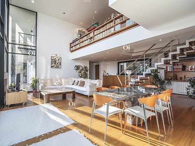 Hochstehendes Haus mit Meerblick in Cala Sant Francesc