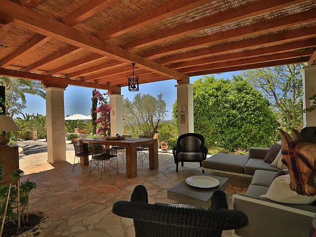 Столовая на свежем воздухе дома в аренду в Санта Жертрудис