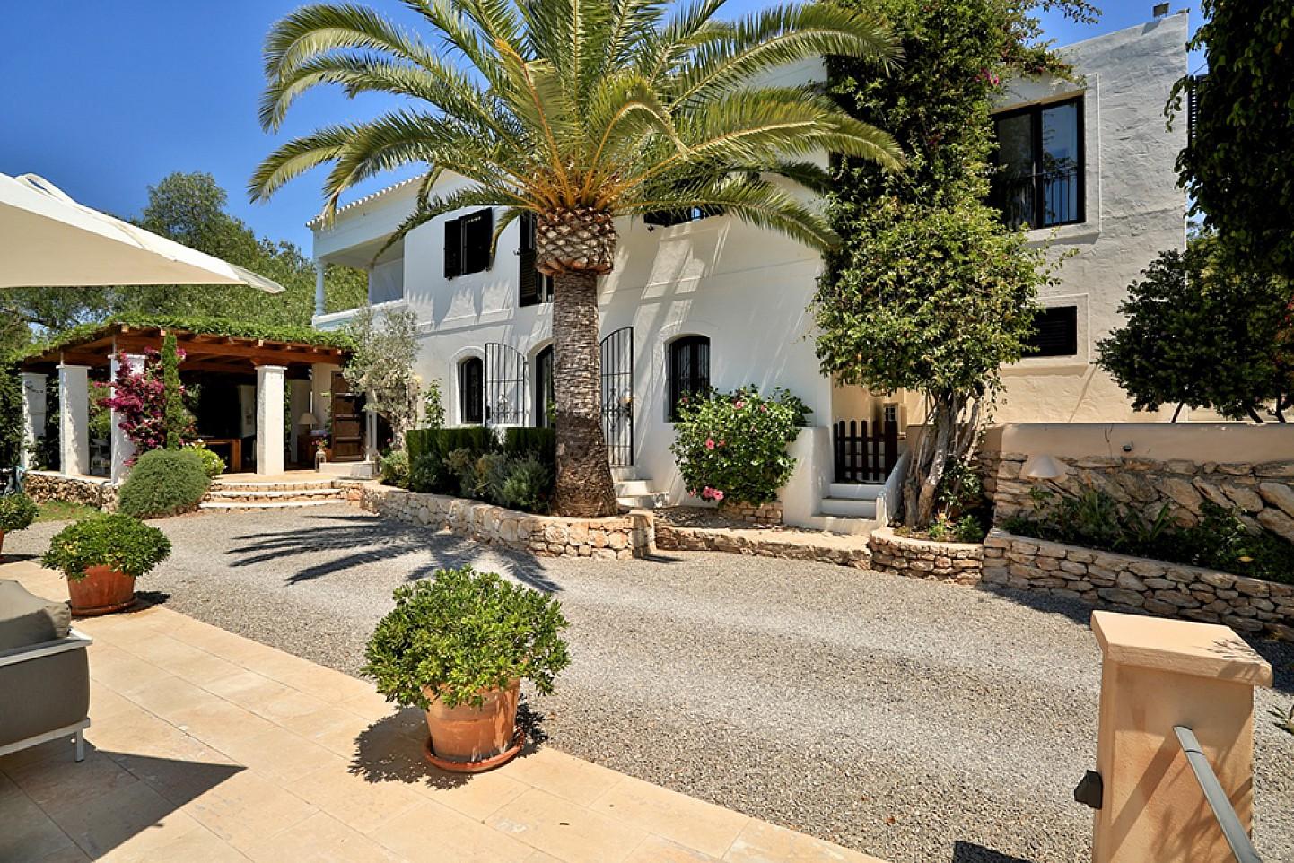 Солнечный сад дома в аренду в Санта Жертрудис
