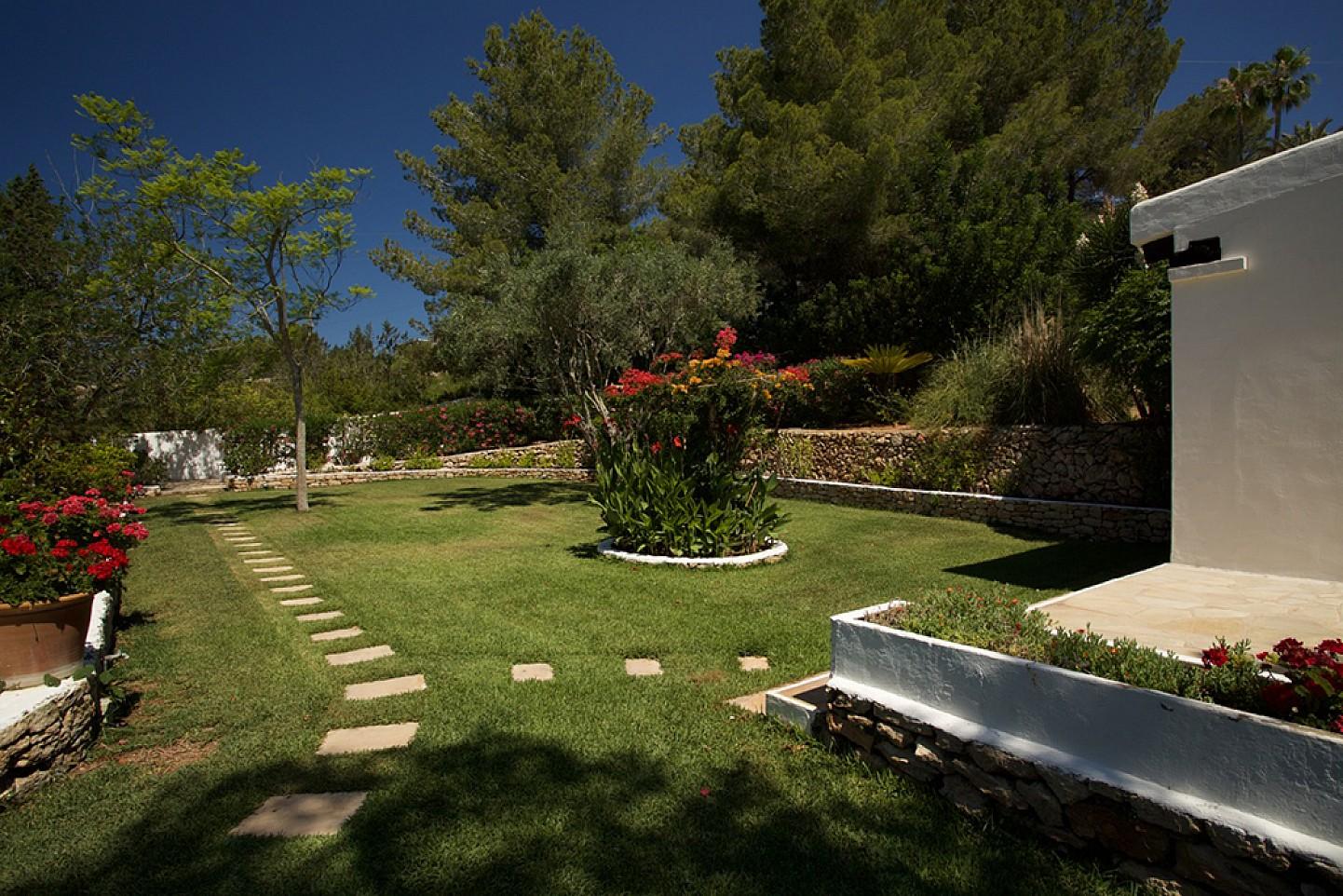 Роскошный сад дома в аренду в Санта Жертрудис