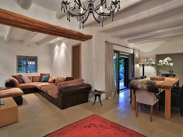 Гостиная дома в аренду в Санта Жертрудис
