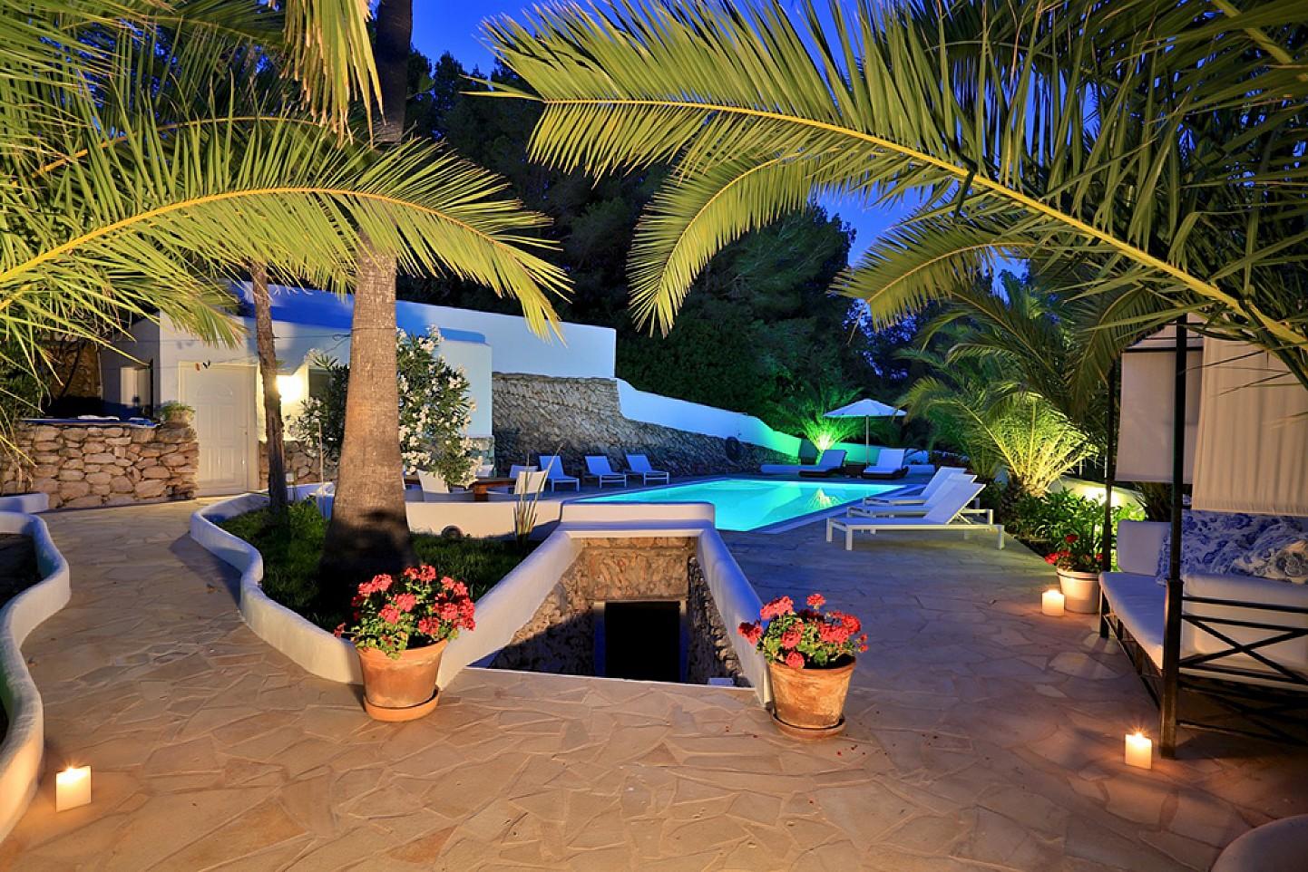 Бассейн дома в аренду в Санта Жертрудис