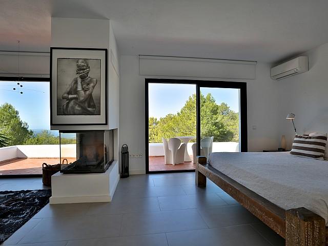 Dormitori 1 amb sortida a la terrassa
