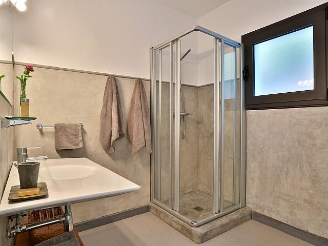 Baño completo con ducha