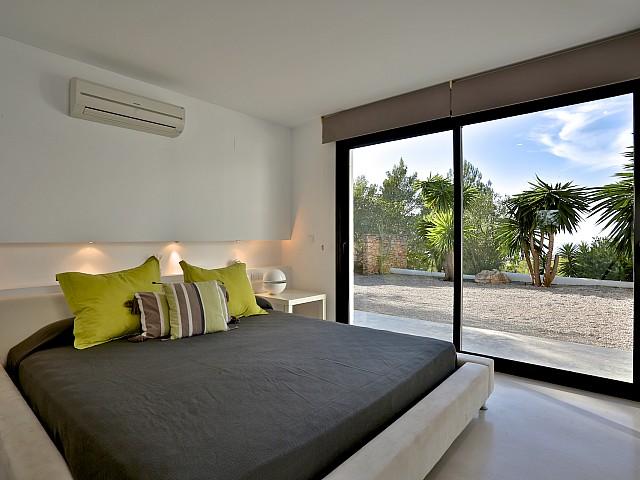 Dormitori 4 amb accés a l'exterior