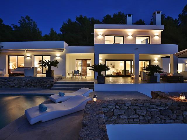 Vila de luxe amb impressionants vistes a prop de Cala Tarida, Eivissa
