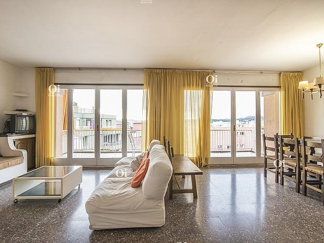 Encantador piso de 6 habitaciones, con piscina en Lloret de Mar