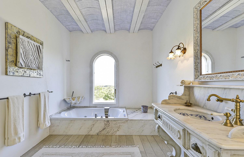Bany en suite amb banyera d'hidromassatge