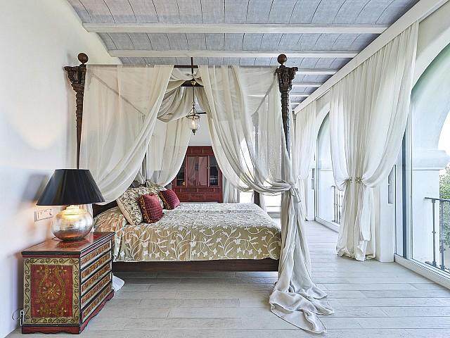 Шикарная спальня комплекса в аренду на Ибице