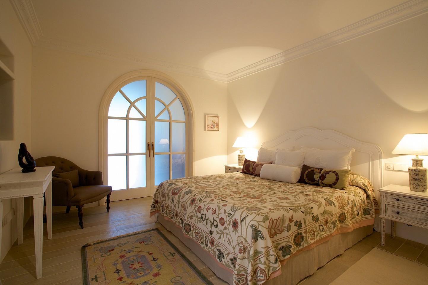 Dormitori ampli ben il.luminat