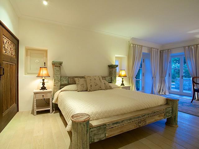 Потрясающая спальня комплекса в аренду на Ибице