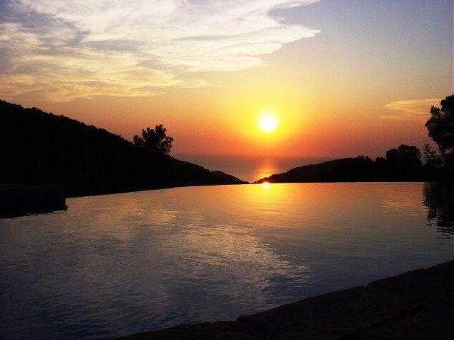 Espléndidas vistas a la puesta de sol de Ibiza desde la vila