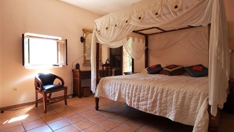 Gran dormitori 2 amb dosser