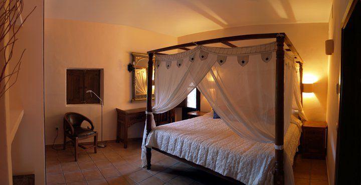 Dormitorio 2 con dosel