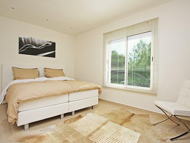 Спальня с видом на море дома в аренду в Марина Ботафок
