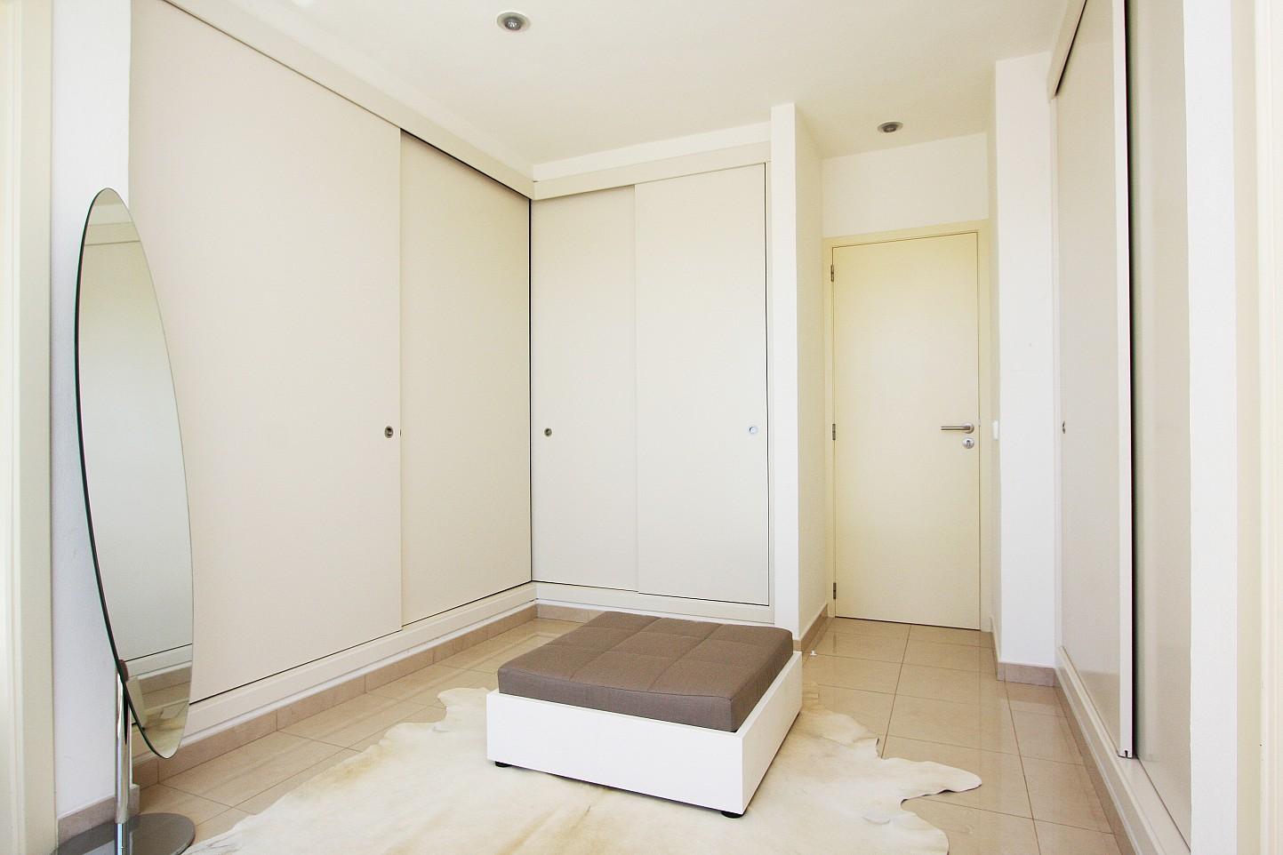 Armaris encastellats en un dels dormitoris