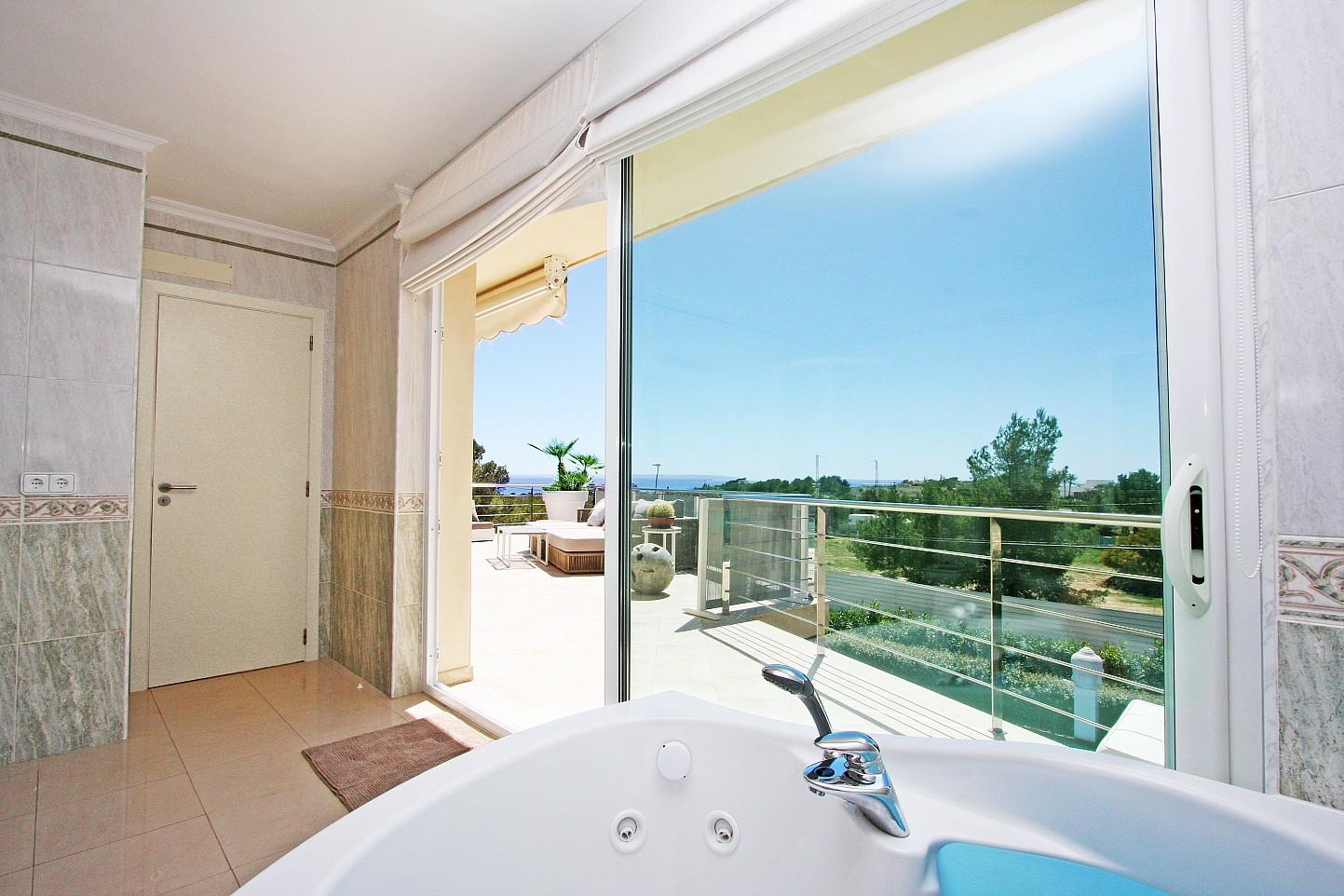 Accés a la gran terrassa des d'un dels dormitoris