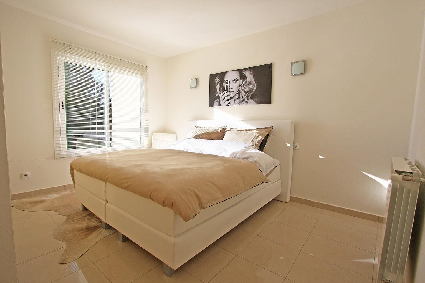 Шикарная спальня дома в аренду в Марина Ботафок