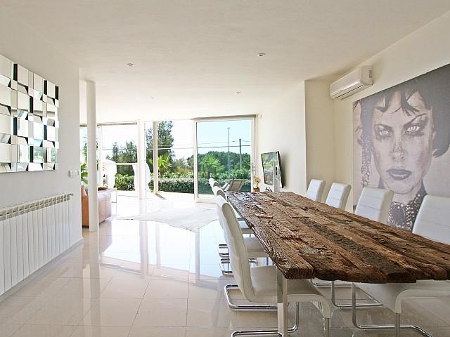 Столовая дома в аренду в Марина Ботафок