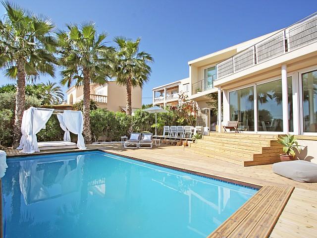 Роскошный бассейн дома в аренду в Марина Ботафок