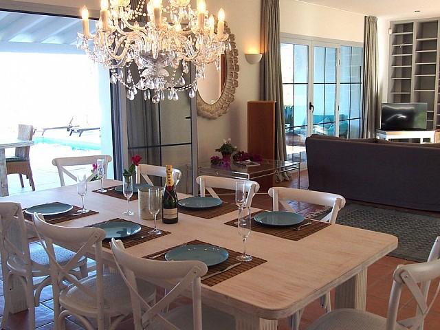 Просторная столовая дома в аренду в Сан Карлос