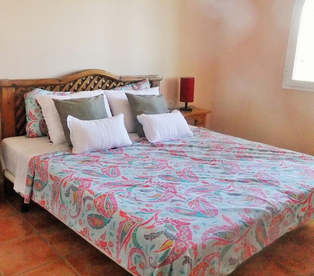 Просторная спальня дома в аренду рядом с Сан Хосе