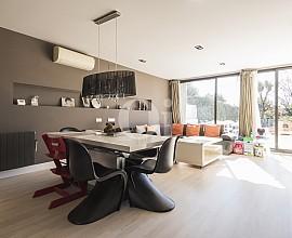 Fantástica casa pareada en zona residencial en Esplugues