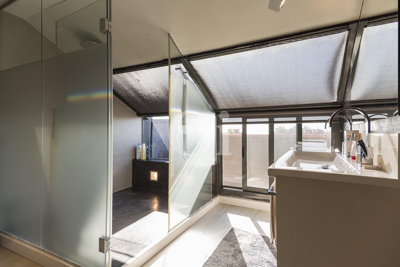 Уютная спальня таунхауса на продажу в Эсплугес