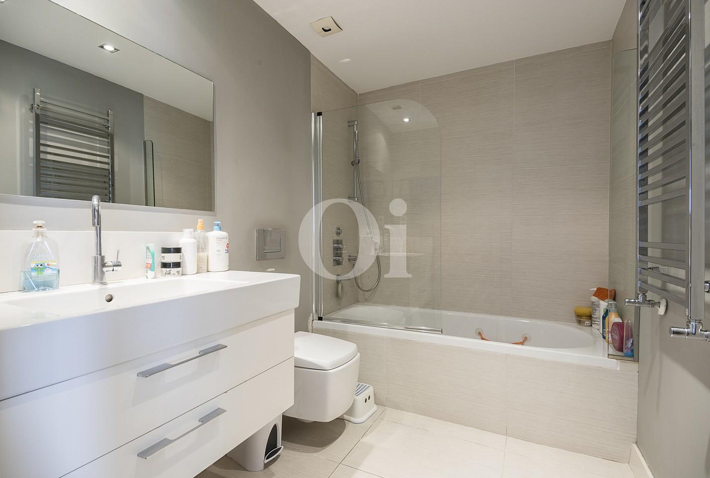 Ванная комната таунхауса на продажу в Эсплугес