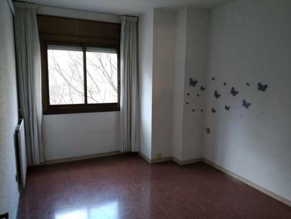 88 м2 квартира находится в недавно отремонтированном здании, как лифт