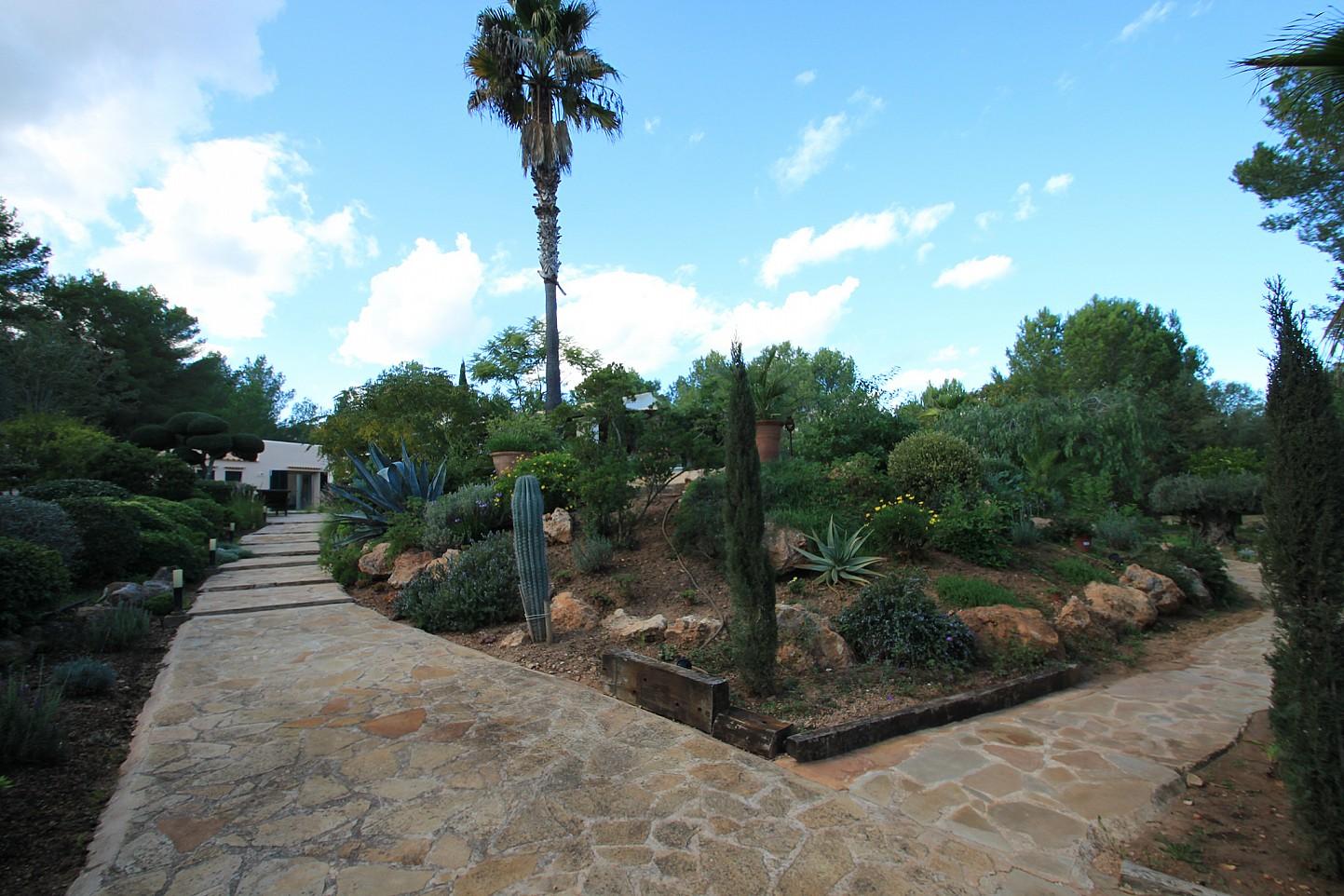 Camino de acceso a la villa