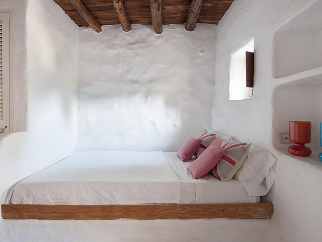 Уютная спальня виллы в аренду в Сан Хосе