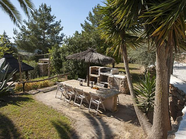 Живописный сад виллы в аренду в Сан Хосе