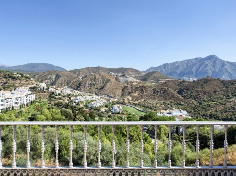 Вилла на продажу в La Quinta Golf Urbanization, (Бенахавис), Малага