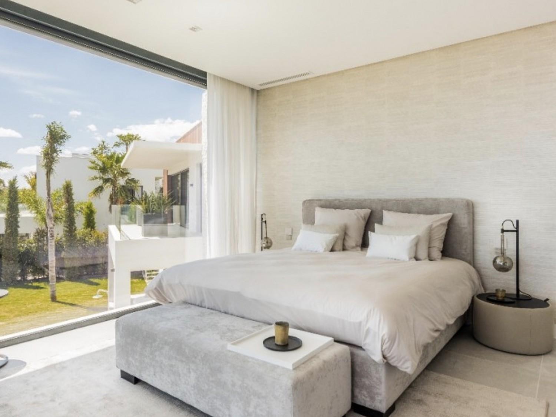 Новая строительная вилла на продажу в Бенахавис, Малага