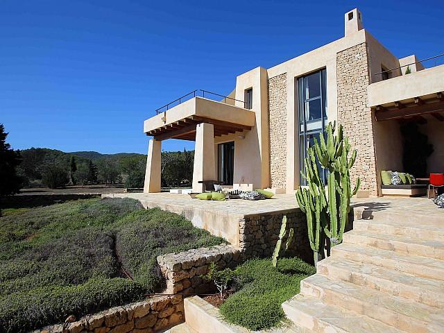 Vila única en lloguer a Es Cubells, Eivissa