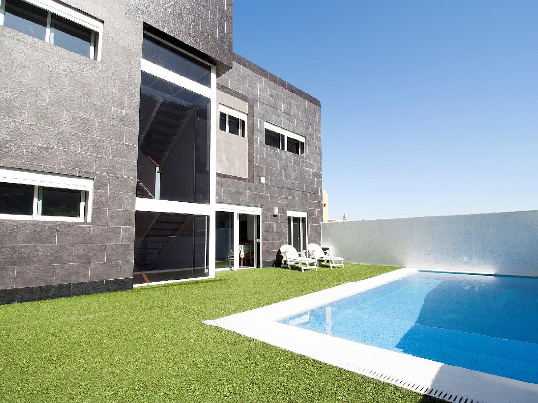 Красивый дом на продажу в Санта-Крус-де-Тенерифе.