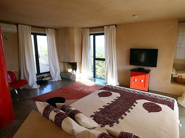 Fantástico dormitorio soleado