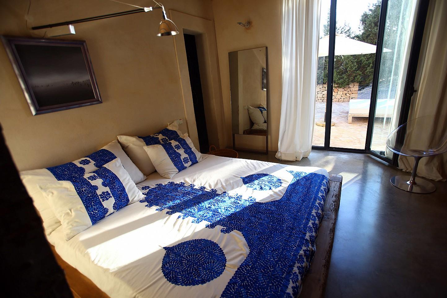Magnífico dormitorio con salida a la terraza