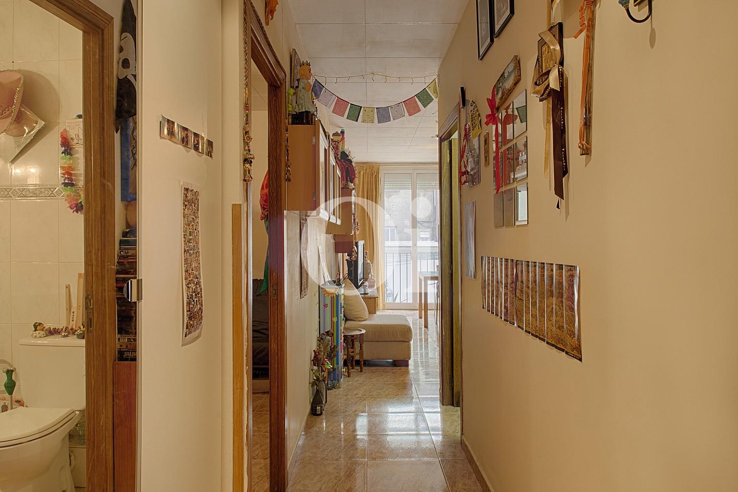 Коридор квартиры на продажу в Равале