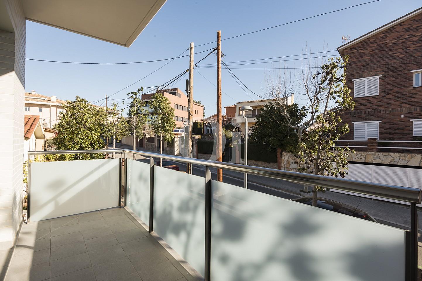 Солнечная терраса квартиры на продажу в Тиана