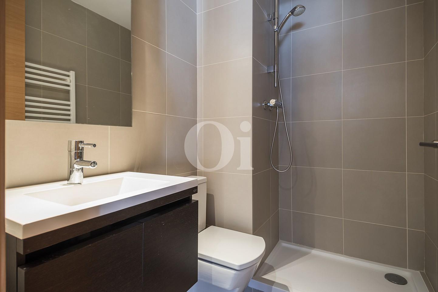 Ванная комната квартиры на продажу в Тиана