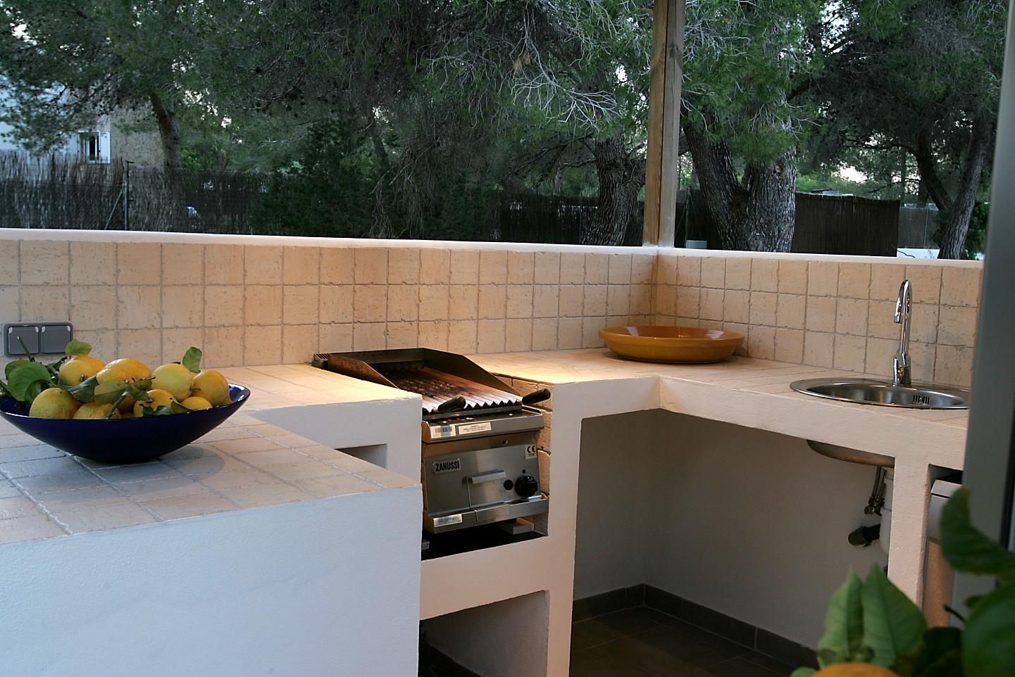 Лестняя кухня виллы в аренду в Кала Жондаль