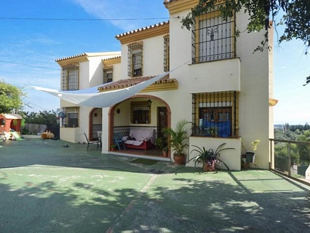 Deux villas à vendre sur le même terrain à Malaga, Espagne