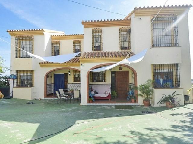 Dos Villas en Venta en la misma Parcela en Málaga, España