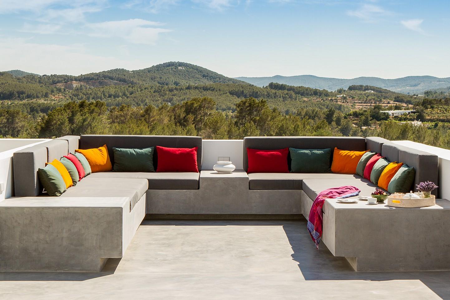 Magnífica zona de relaxament amb vistes a la muntanya