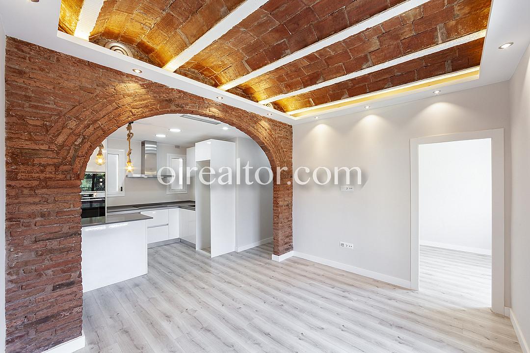 Продается квартира рядом с Лас Рамблас, Барселона.