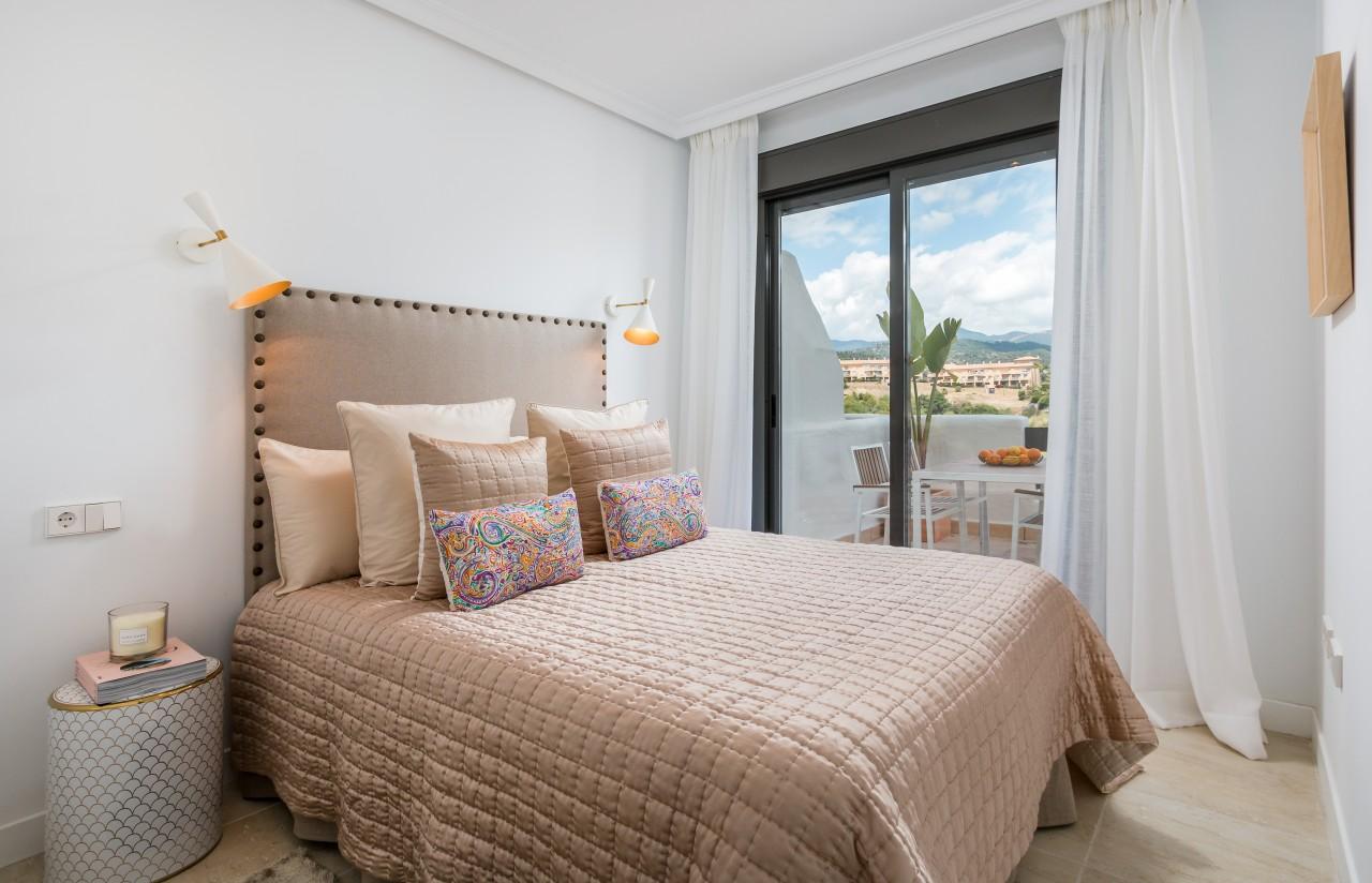 Новые Пентхаусы и Квартиры на Продажу в Эстепоне, Малага