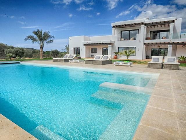 Preciosa vila renovada en lloguer de 5 habitacions a Santa Gertrudis, Eivissa