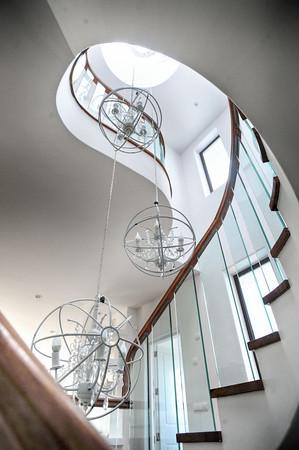 Escales d'accés als pisos superiors
